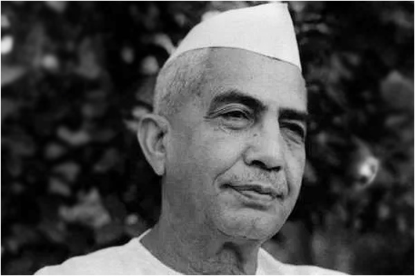 Charan Singh had given loan waiver to the farmers even during the British rule