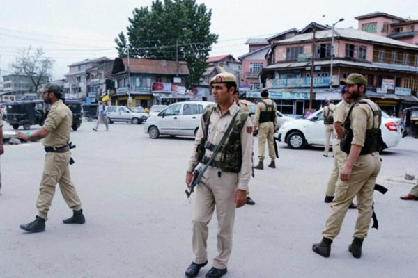 5 politicians who were arrested in Srinagar in August this year released