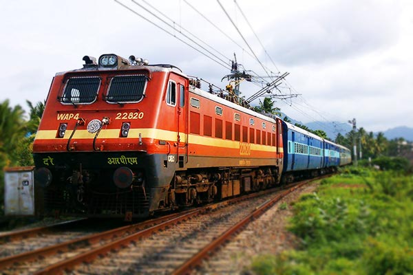 Indian Railways  revenue from passenger fare down by Rs 400 crore in Q3