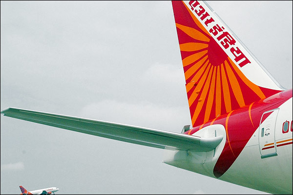 Air India has dues of over Rs 822 crore towards VVIP charter flights