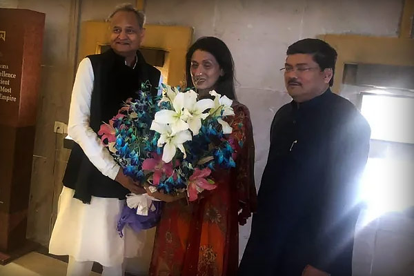 Congress Mukul Wasnik gets married at 60 Ashok Gehlot Ahmed Patel reach to congratulate
