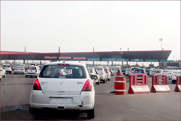 Nitin Gadkari suspends toll collection on highways