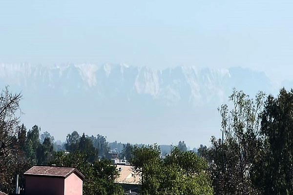 Pollution level reduced due to lockdown Himachal mountains visible from Jalandhar