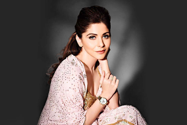 Kanika Kapoor who recovered from coronavirus gets police notice to record statement