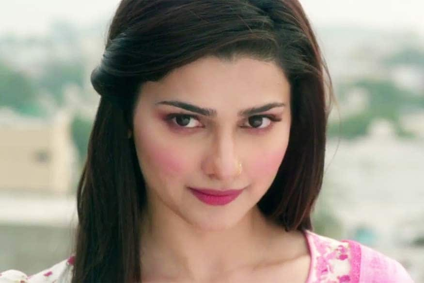 Prachi Desai points out Ajay Devgn mistake of not tagging the team in his 8 Years Of Bol Bachchan po
