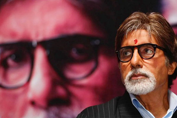 I bow down to you Amitabh Bachchan pens poem for fans says flooded with so much love