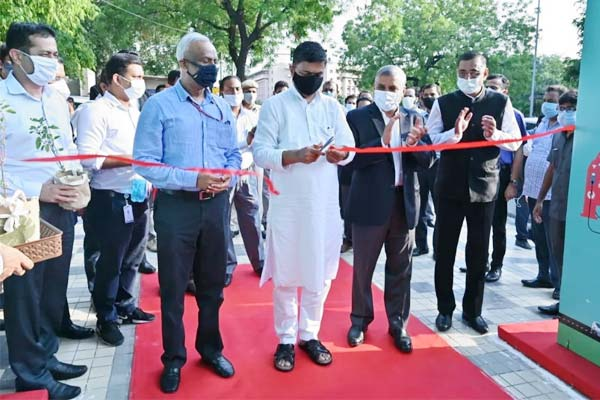 First Indian Public Electric Vehicle Charging Plaza inaugurated in Delhi