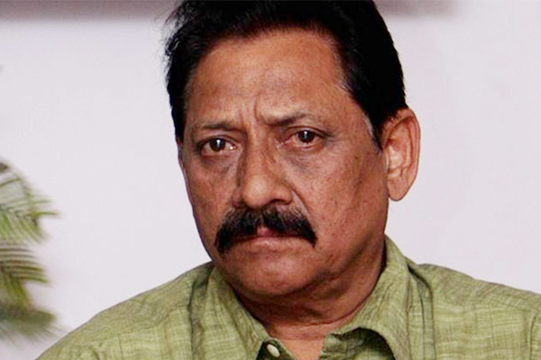 Former Indian cricketer Chetan Chauhan put on life support