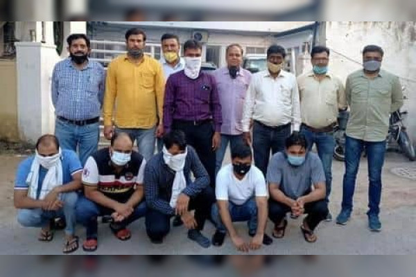 Gang faked as ED and ACB officer on the lines of film Special 26  five arrested