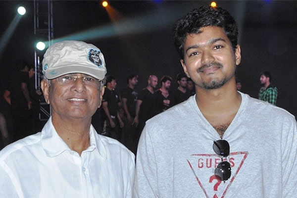 South Superstar Vijay Against Her Father Chandrasekhar Political Party