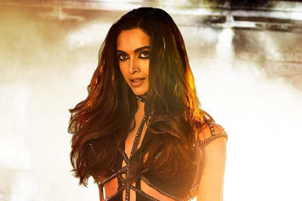 Deepika Padukone Play Action Packed Agent Role In Shah Rukh Khan Film Pathan