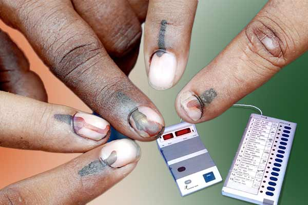Voting continues in 6,910 wards of 395 local bodies in Kerala today