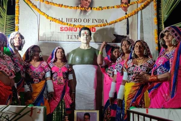 Temple dedicated to Sonu Sood built in Telangana