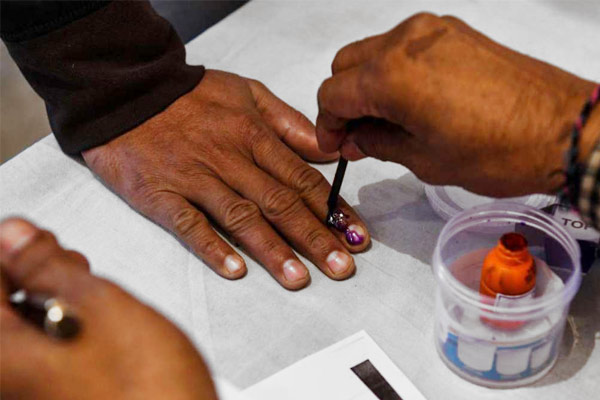 This time elections of village region and district panchayat will be held together in UP