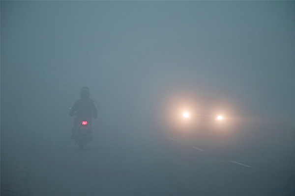 North India engulfed by thick fog, no relief from cold wave for next four days