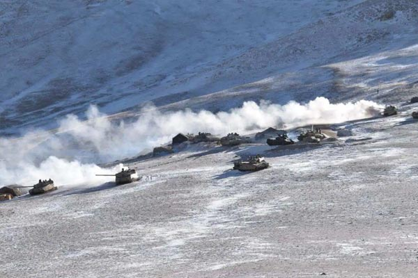 China moves out 200+ tanks