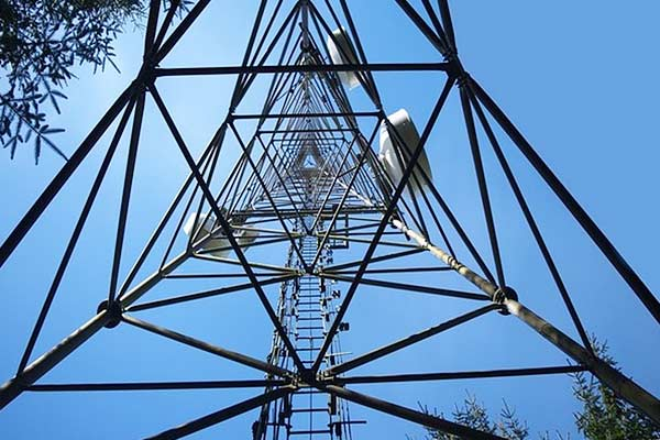 Spectrum Auctions Underway Radiowaves Valued At Rs 392 Lakh Crore Up For Bidding