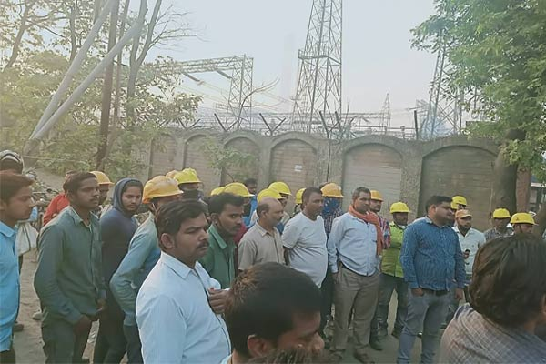 Shuttering Of Lanco Project In Sonbhadra Falls Down Suddenly Many Workers Injured