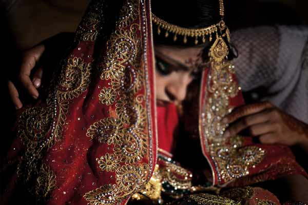 From now on it is mandatory to write the date of birth of bride and groom on the wedding card in Raj