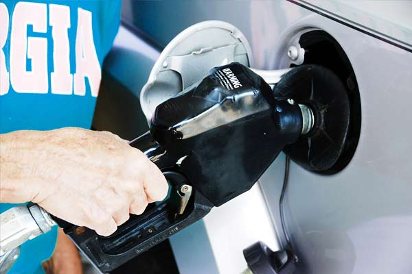 Diesel and petrol prices fall this is todays price in metros