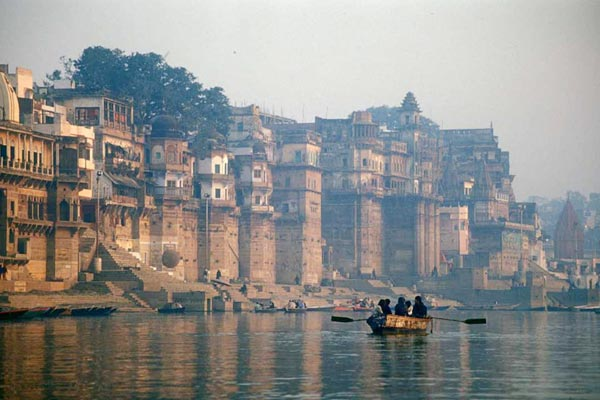Varanasi administration asks tourists to cancel trip